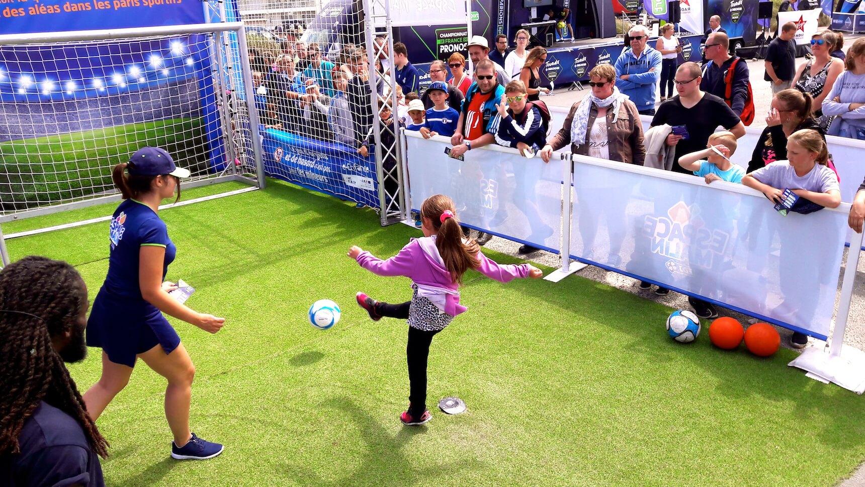 Même les plus jeunes adorent cette animation foot.