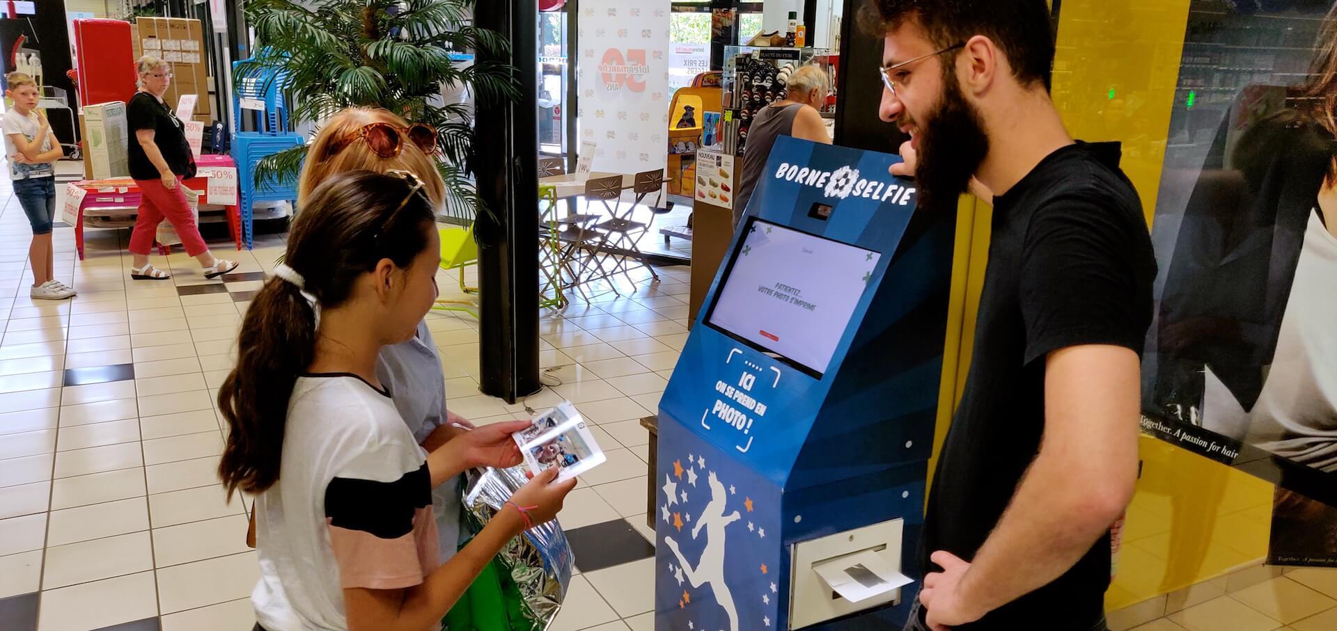 borne selfie football supermarché intermarché auchan leclerc carrefour
